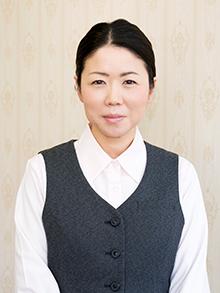 フロアスタッフ 升倉峰子さん
